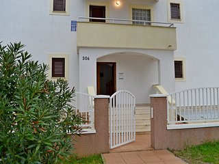 TH01275 Apartments Klarić / One Bedroom A4, Nin
