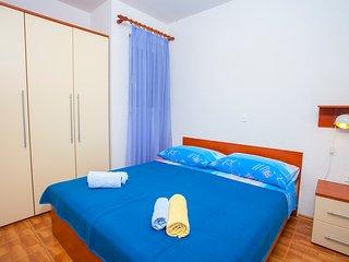 TH03476 Apartments Tomaš / One Bedroom I2, Tucepi