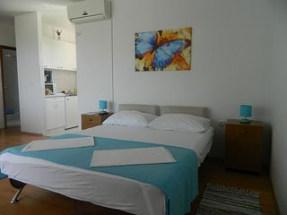 TH03485 Apartments  Zorka / 2 One bedroom