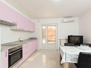 TH03487 Apartments Monika / Mila 2 / One Bedroom, Podstrana