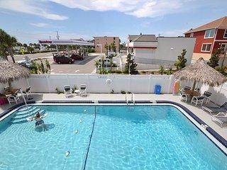 Tropic Breezes #15- 2nd Floor Gulf View Condo with Free WiFi, Pool, BBQ!, Madeira Beach