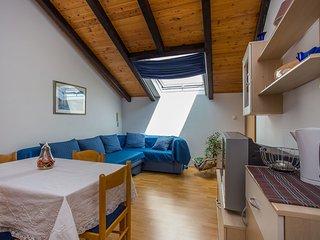 TH01700 Apartments Botic / One Bedroom A1, Kastel Stari