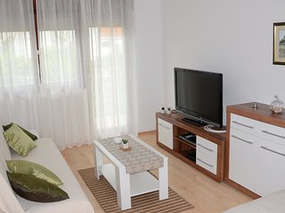 TH01708  Apartments Amari / Three bedroom A1, Kastel Gomilica