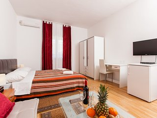 TH01948 Villa De Chiudi / Double Room S3, Trogir