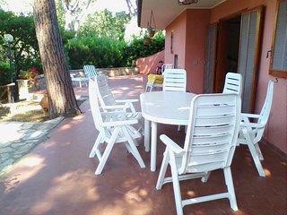 4 bedroom Apartment in Castiglione della Pescaia, Maremma, Tuscany, Italy : ref