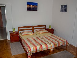 TH01720 Apartments Dujo / One Bedroom A1, Kastel Luksic
