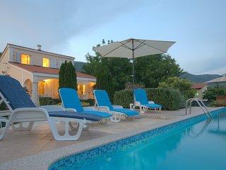 TH01718 Villa Marija, Kastel Novi