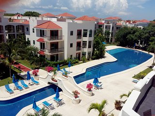 302 Reef. 3 bedrooms. Paseo. Rooftop with BBQ., Playa del Carmen