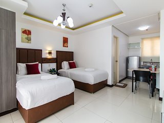 AMAZING TWIN BED, Manila
