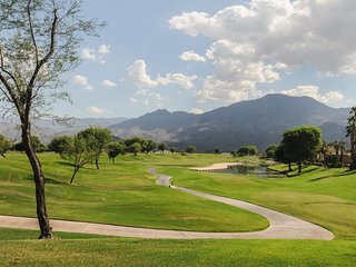 Golf course and mountain views w/ shared pool, hot tub! Dogs OK!