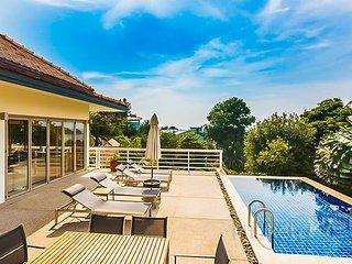 Spacious 4-Bed Pool Villa near Kata Beach