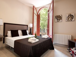 GowithOh - 16782 - Charming apartment with a patio near the Plaza Cataluña - Barcelona