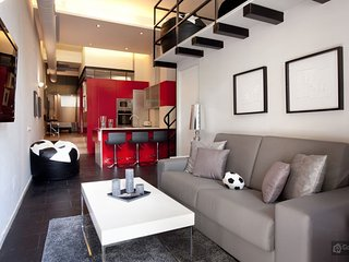 GowithOh - 17604 - Modern loft alongside the Barcelona Football Stadium - Barcelona