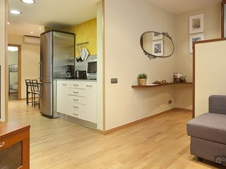 GowithOh - 17606 - Spacious apartment for 4 just 10 min from Parque Güell - Barcelona