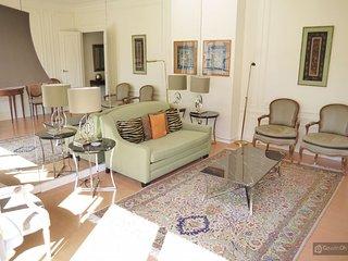 GowithOh - 17636 - Bright apartment in avenue Georges V near the Champs Elysées - Paris