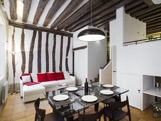GowithOh - 19661 - Two bedroom apartment for 7 people in the Place des Vosges - Paris