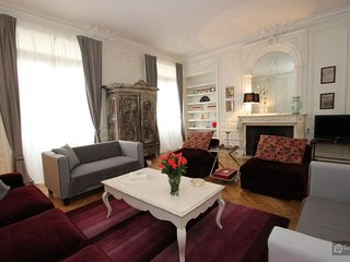 GowithOh - 20574 - Beautiful Haussmann style apartment for 10 people - Paris