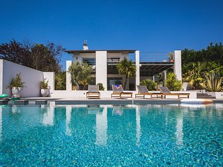 Modern Villa w/ Pool & Views - 5 Minutes to beach, Bidart