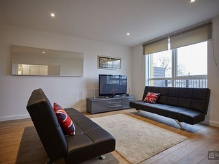 GowithOh - 20668 - Spacious apartment for 8 people close to the O2 - London