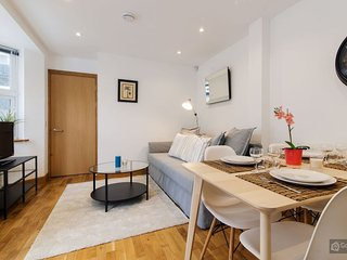 GowithOh - 20865 - 2 bedroom apartment in Fulham for 6 guests with terrace, London