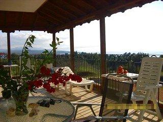 H8-Apartment with terrace and sea views, Nikiti