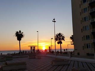 Primera línea Playa Victoria 3 dormitorios, Cádiz
