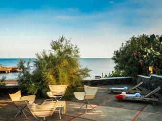 Casa Mareblu sulla spiaggia di Stromboli