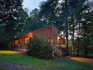 Bring Your Canoe/Kayak To This North Georgia Cabin, Ellijay