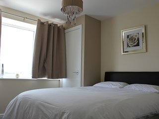 Luxury 2 Bed Apartment Free parking 6 berth (CB7)