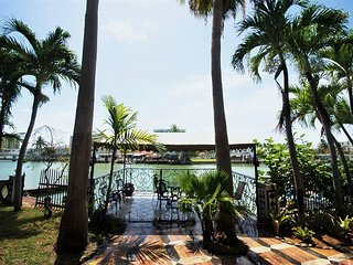 Enchanting Treehouse getaway, Miami Beach