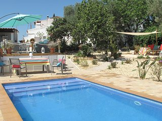 Stylish cosy cottage with  wood burner , hot tub , pool and free wifi, Tavira