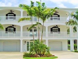 P15 5 bdm Luxury Coury Drive Pool home, Key Colony Beach