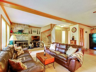 Bearadise is an airy 3 bedroom condo located in the heart of Canaan Valley,WV