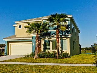 High standard house with heated pool and hot tub, Kissimmee
