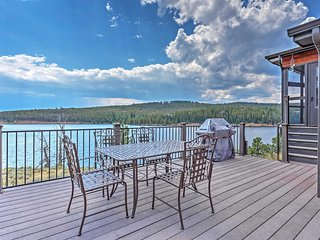 Rare Waterfront 2BR Crystal Lakes Home w/Mtn Views