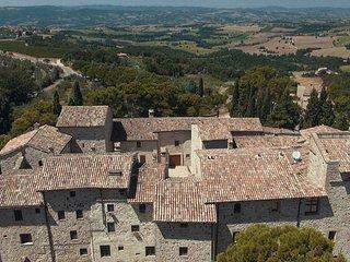 Castello di Petroro Abbazia di San Martino, Todi