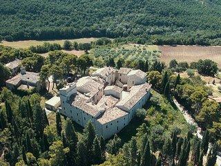 Abbazia di San Martino al Castello di Petroro, Todi