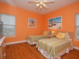 A beach home with a difference!, Gulf Breeze