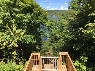 Gatineau hill top retreat ,  30 min n of Ottawa
