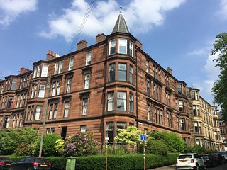 ELEGANT VICTORIAN APARTMENT WITH UNRIVALLED VIEWS, Glasgow