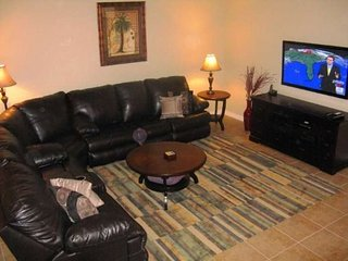 Luxurious Vacation Townhome closest to Disney World - Only 2 miles