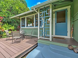 'The Park House' Kapaau Home w/Patio-2 Mi to Beach