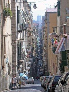 Spaccanapoli- la strada che taglia in due il cuore della città