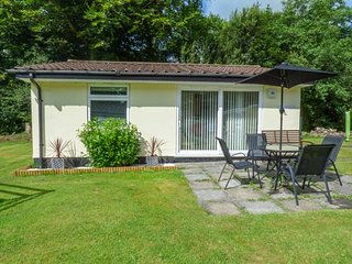 BALLASALLA, cosy, open plan, garden, fishing on-site, Liskeard, Ref 935997
