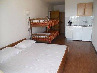 TH01260 Apartments Stošić / Studio A1, Rtina