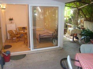 TH01702 Apartments Mirjana / One Bedroom A1, Kastel Stari