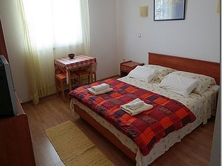 TH01709 Apartments Vagabundo / Studio 6, Kastel Kambelovac