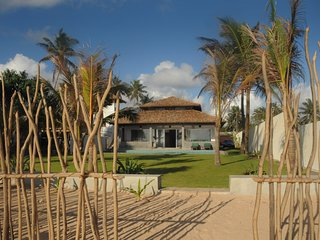 privet house with swimming pool and on the beach, Ambalangoda