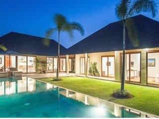 Villa Sophia Contemporary 3 Bedrooms Villa. Umalas, Kerobokan