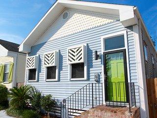 SUNNY EXPOSURE - UPTOWN New Orleans Getaway!